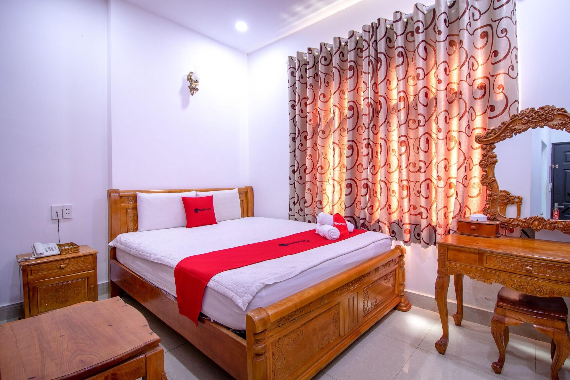 RedDoorz Plus near Phan Xich Long, Bình Thạnh