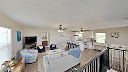 Delightful Coastal Escape With Multiple Decks - 2 Bedroom Home