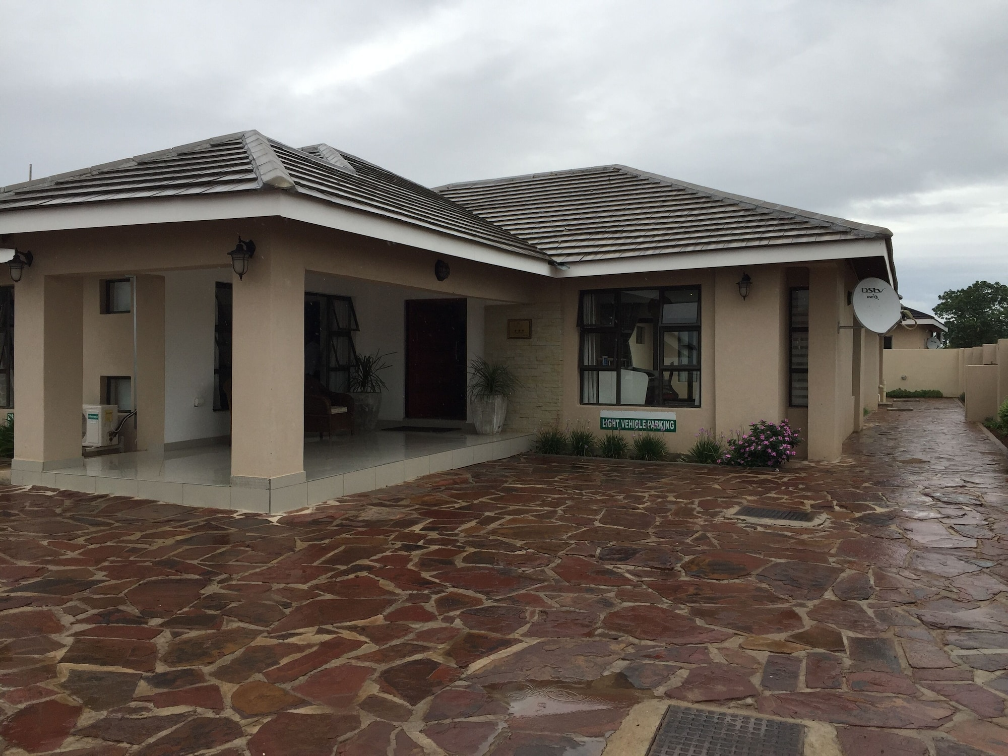 Royal Court Guest House, Lethlakane