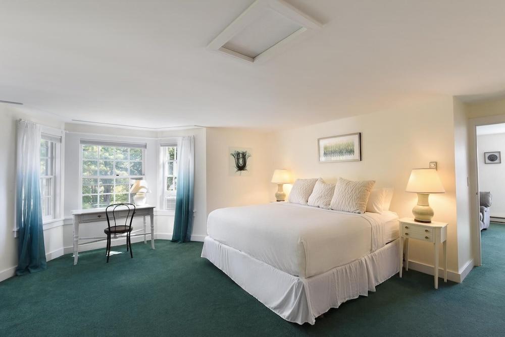 https://i.travelapi.com/hotels/58000000/57880000/57878200/57878194/091e2721_z.jpg