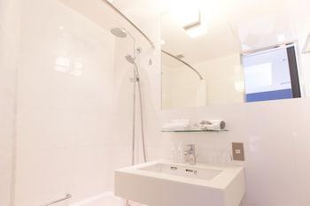 THE GATE HOTEL ASAKUSA KAMINARIMON BY HULIC Bathroom Sink