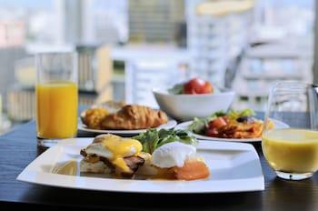THE GATE HOTEL ASAKUSA KAMINARIMON BY HULIC Breakfast Meal