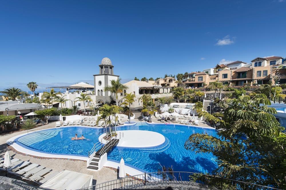 Hotel Suite Villa María, Featured Image