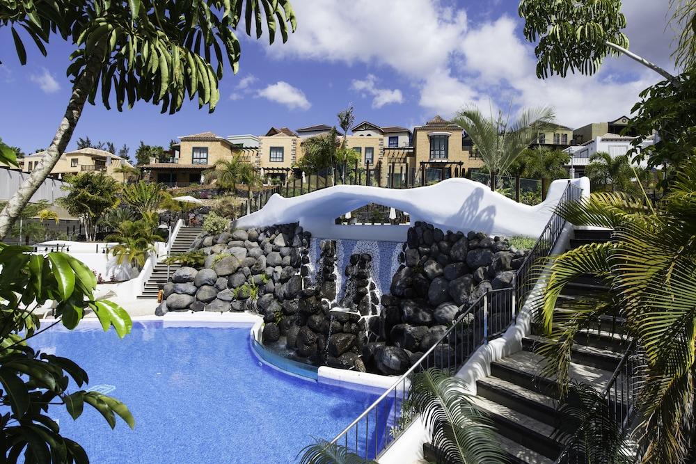 Hotel Suite Villa María, Outdoor Pool