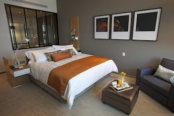 Superior Room, 1 King Bed (SANTA FE VIEW)
