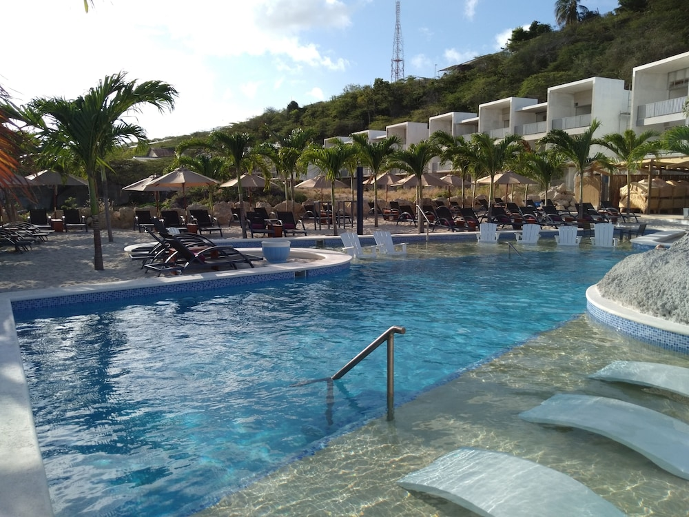 The Ritz Village Hotel - Adults Only