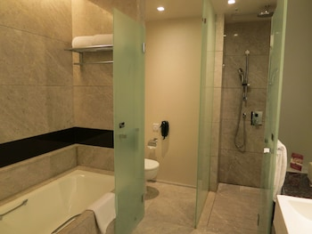 Crowne Plaza Hong Kong Kowloon East - Bathroom  - #0