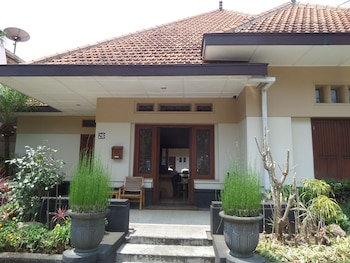 Hotel - Merbabu Guest House