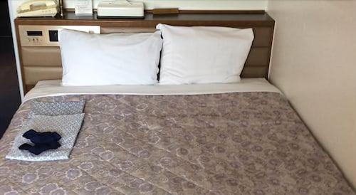 Kanku Hotel Sunplus Yutaka, Izumisano
