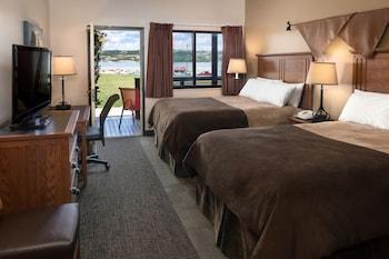 Room, 2 Queen Beds, Accessible, River View (2 Queen Riverside Accessible)