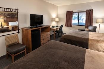 Standard Room, 2 Queen Beds, Pool View (2 Queens Atrium)