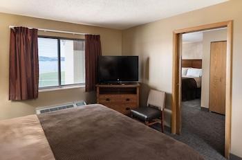 Suite, Multiple Beds, River View (2 Queen 1 King Suite)