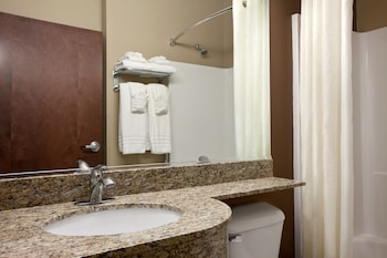 Microtel Inn & Suites by Wyndham Wheeling at Highlands - Bathroom  - #0