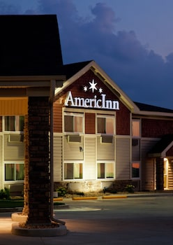 Hotel - AmericInn by Wyndham Osage