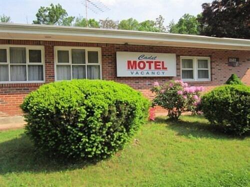 . Cadet Motel