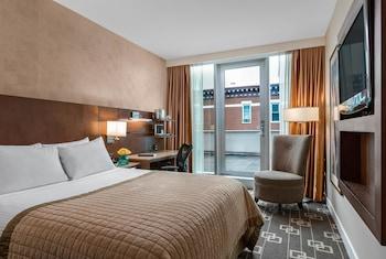 Premium Room, 1 Queen Bed, Non Smoking (Low Floor)