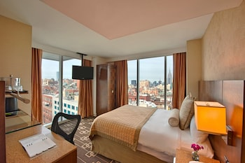 Deluxe Room, 1 Queen Bed, Non Smoking (Manhatten View, Fresh Stay Well)
