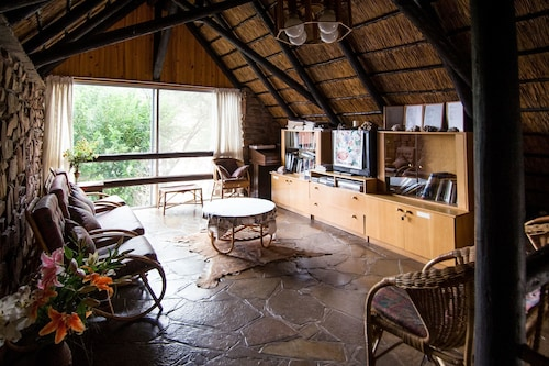 Etusis Lodge, Karibib