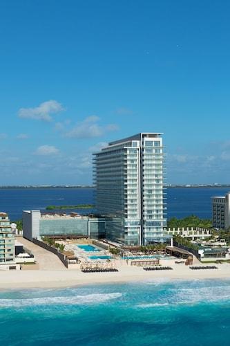 . Secrets The Vine Cancun - Optional All-Inclusive.