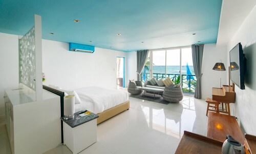 . Boracay Ocean Club