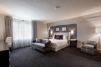 Deluxe Room, 1 King Bed, Non Smoking (Executive, Guest room, 1 King)
