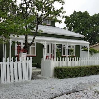 Designer Cottage B&B - Street View  - #0