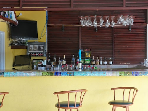 Grooms Beach Villa & Resort,