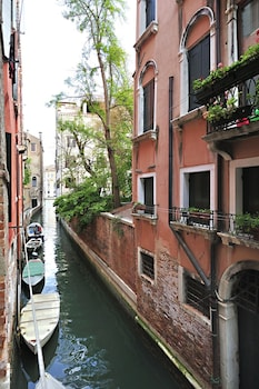 Venice Grand Canal Style Apartment - Guestroom  - #0