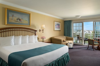 Premium Room (Direct Ocean View One King 456 sf.ft.)