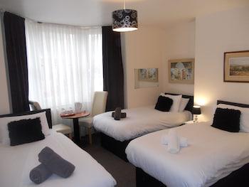 Triple Room, Ensuite, Sea View