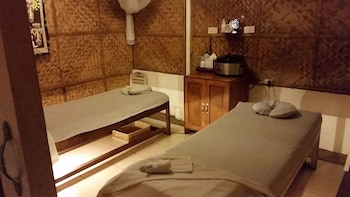 Surfside Boracay Resort & Spa Massage