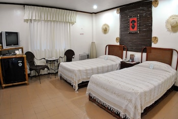 Surfside Boracay Resort & Spa Guestroom