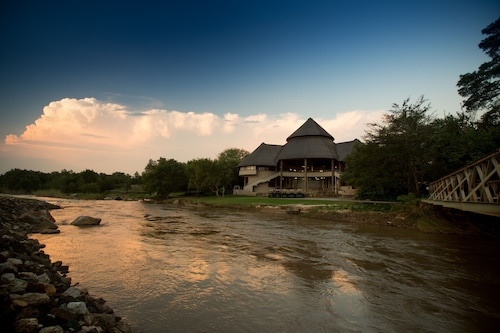 Nkonyeni Lodge & Golf Estate, Nhlambeni