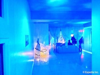 Hotel Paradis Manila Lobby Sitting Area
