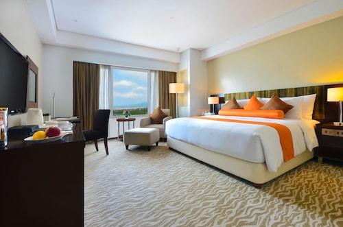 . Acacia Hotel Manila