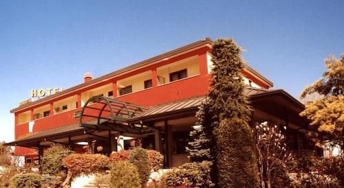 __{offers.Best_flights}__ Hotel Cinzia