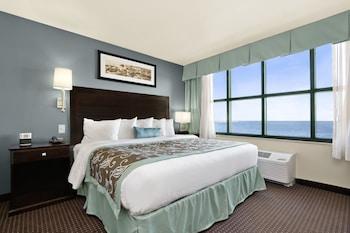 Suite, 1 King Bed, Non Smoking, Oceanfront (One-Bedroom)