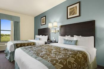 Room, 2 Queen Beds, Non Smoking, Partial Ocean View (Mobility Accessible)