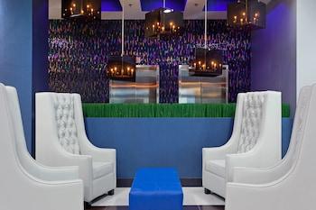 Lobby at Fairfield Inn & Suites New York Queens/Queensboro Bridge in Long Island City
