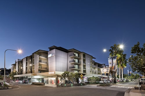 . Grand Hotel and Apartments Townsville