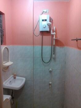 La Maria Pension Hotel Cebu Guestroom