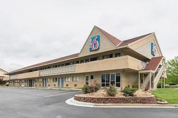 Motel 6 Overland Park KS