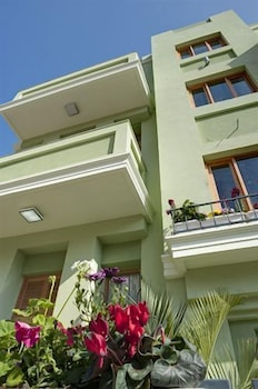 Residence Suites Hotel, Featured Image