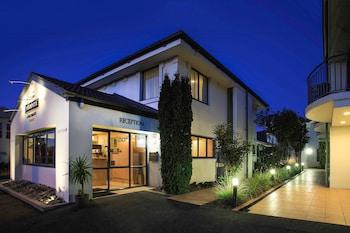 Hotel - DeLorenzo's Studio Apartments