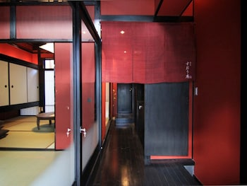 SUOAN MACHIYA RESIDENCE INN Interior Entrance
