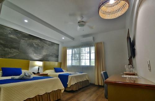 Hotel Casazul, Flores