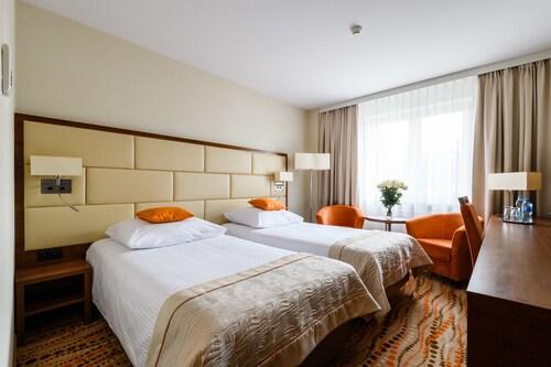 . Hotel Boss