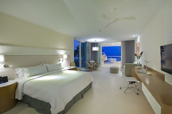 Master Suite, Ocean Front, One King Bed