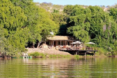 . Kunene River Lodge