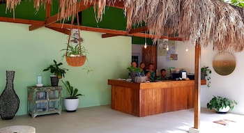 Ocean Vida Beach And Dive Resort Malapascua Reception